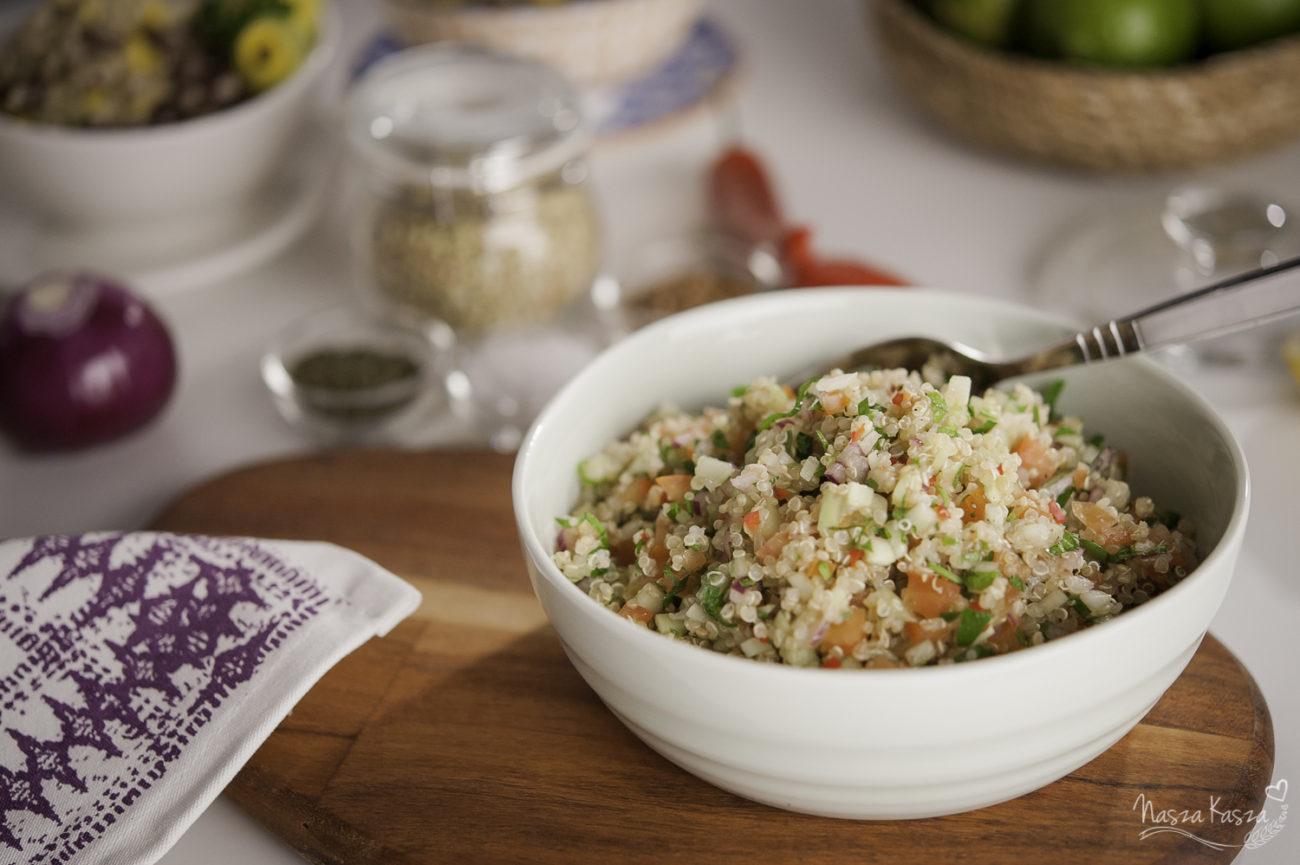 Libański Tabbouleh z komosą ryżową