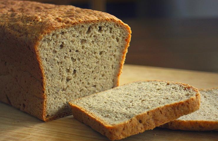Bezglutenowy chleb jaglany