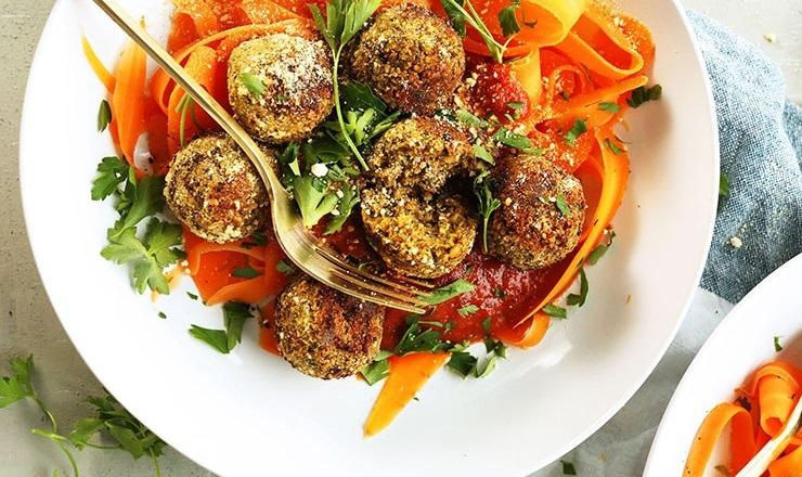 Pulpeciki drobiowe z amarantusem i suszonymi pomidorami