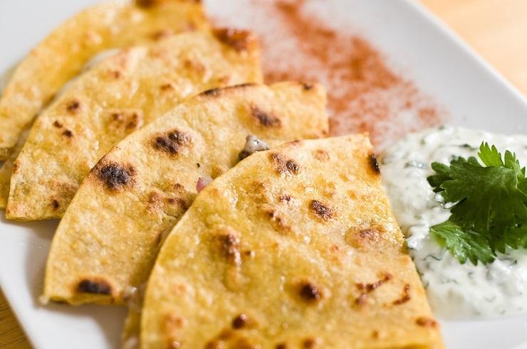 Domowa tortilla z kaszy kukurydzianej