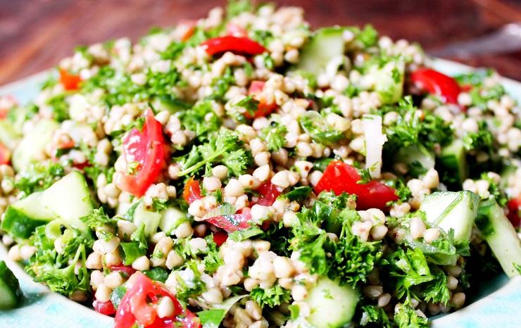 Libańska sałatka z kaszą gryczaną