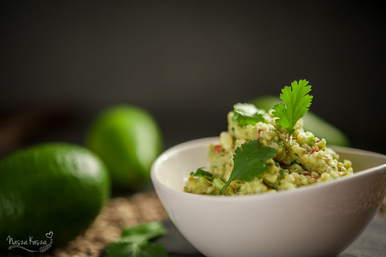 Guacamole z komosą ryżową