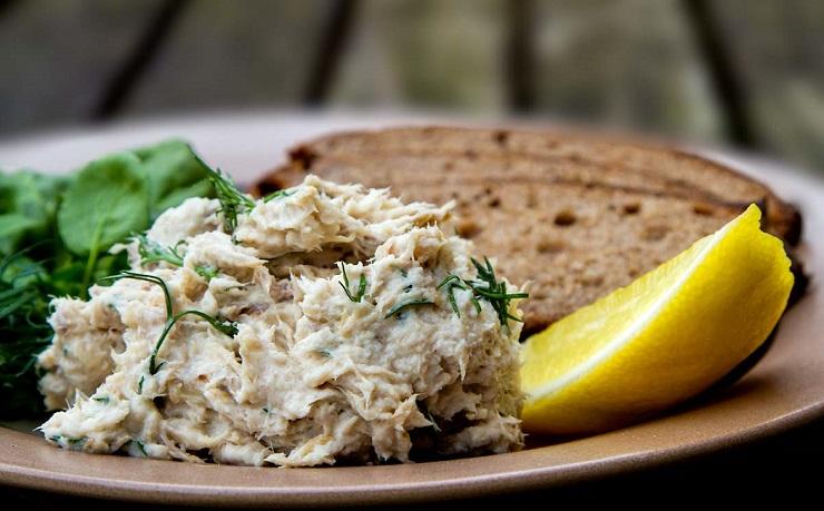 Jaglana pasta z wędzonej makreli