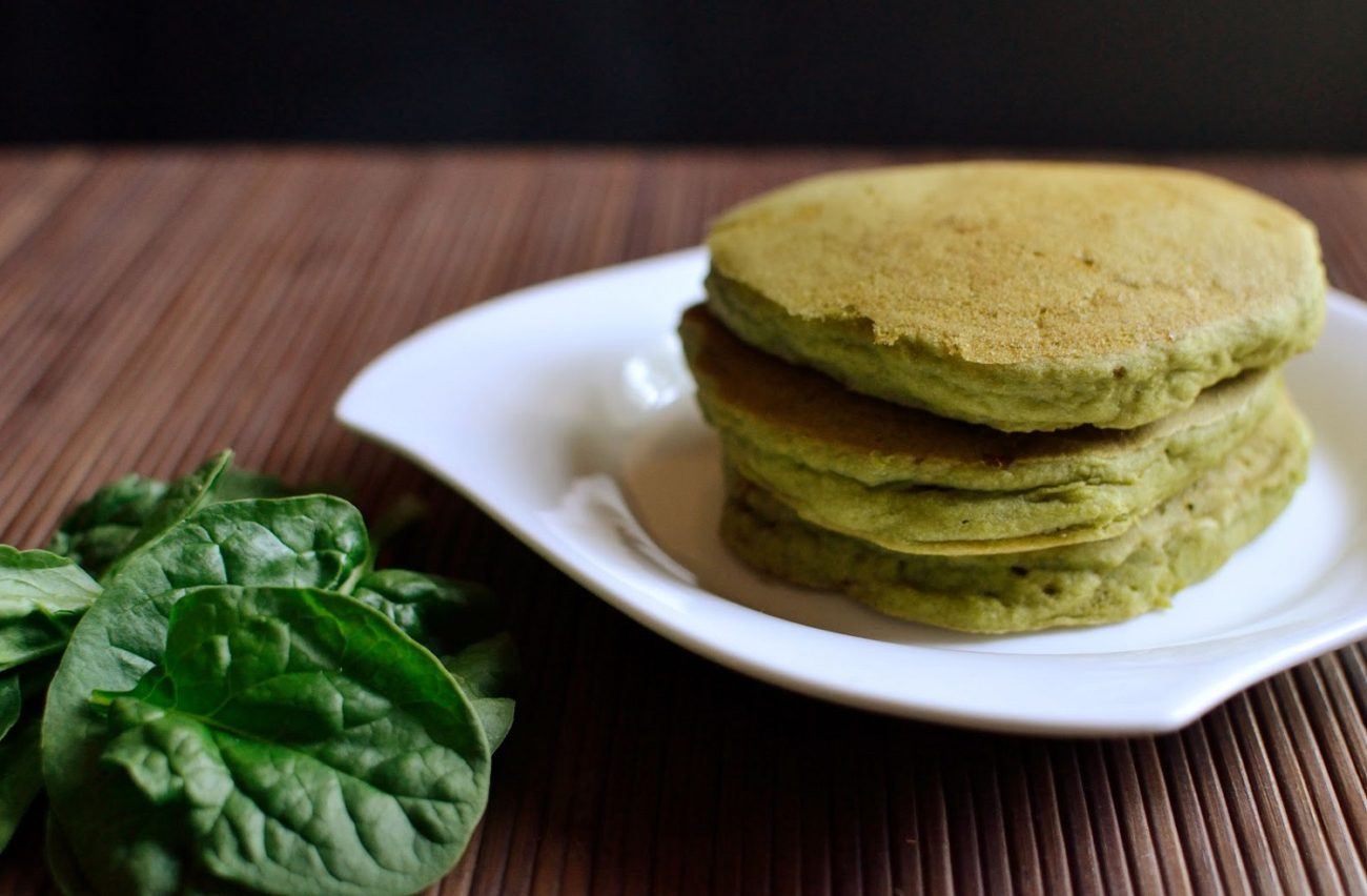Jaglane pancakes ze szpinakiem