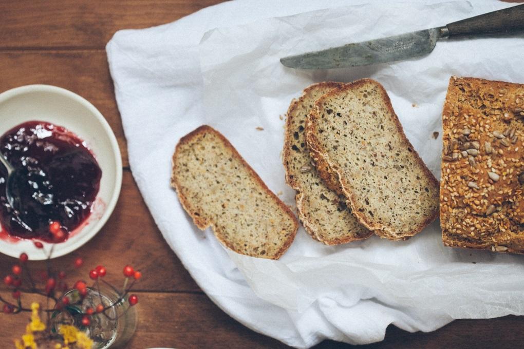 Sezamowo-jaglany chleb śniadaniowy