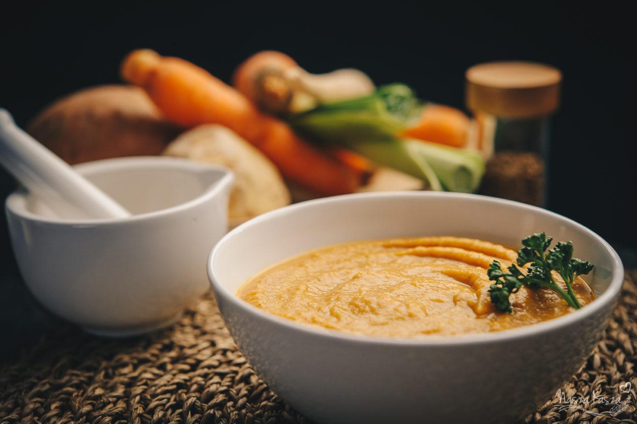 Krem z pieczonych warzyw korzeniowych i kaszy gryczanej