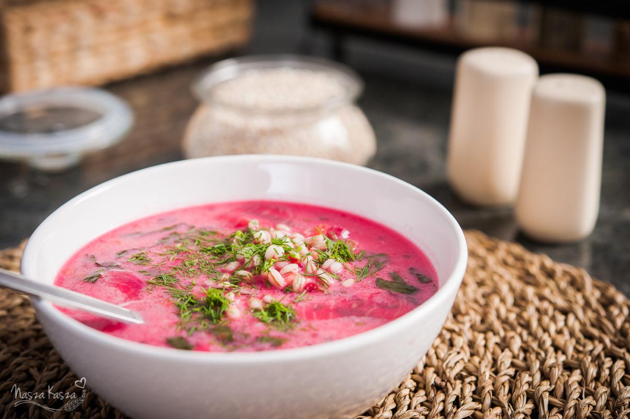 Zupa botwinkowa z pęczakiem