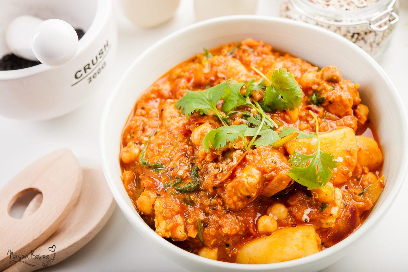Curry z komosą ryżową, ziemniakami i kurczakiem