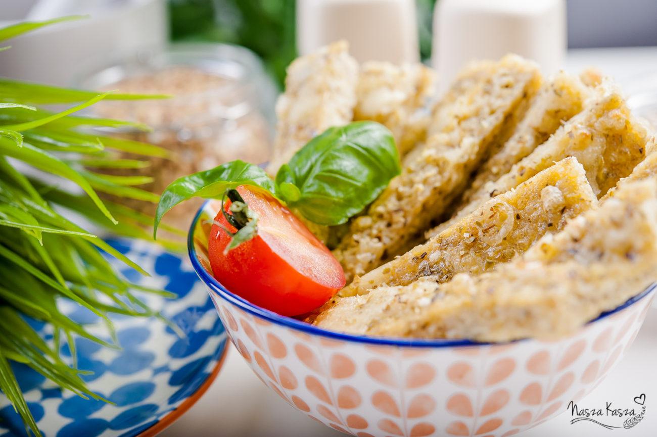Czosnkowe chlebki serowe z komosą ryżową