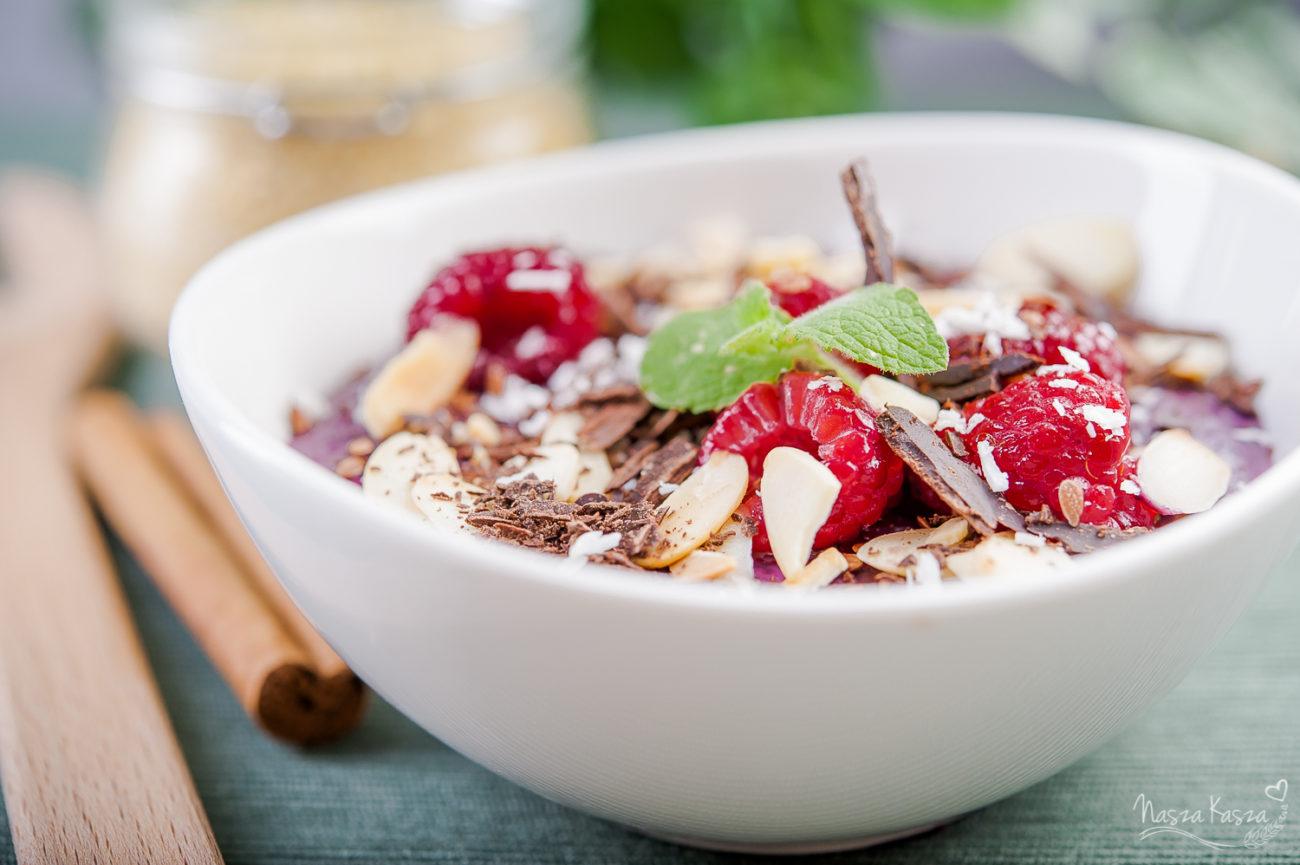 Owocowy bowl z kaszą jaglaną i amarantusem
