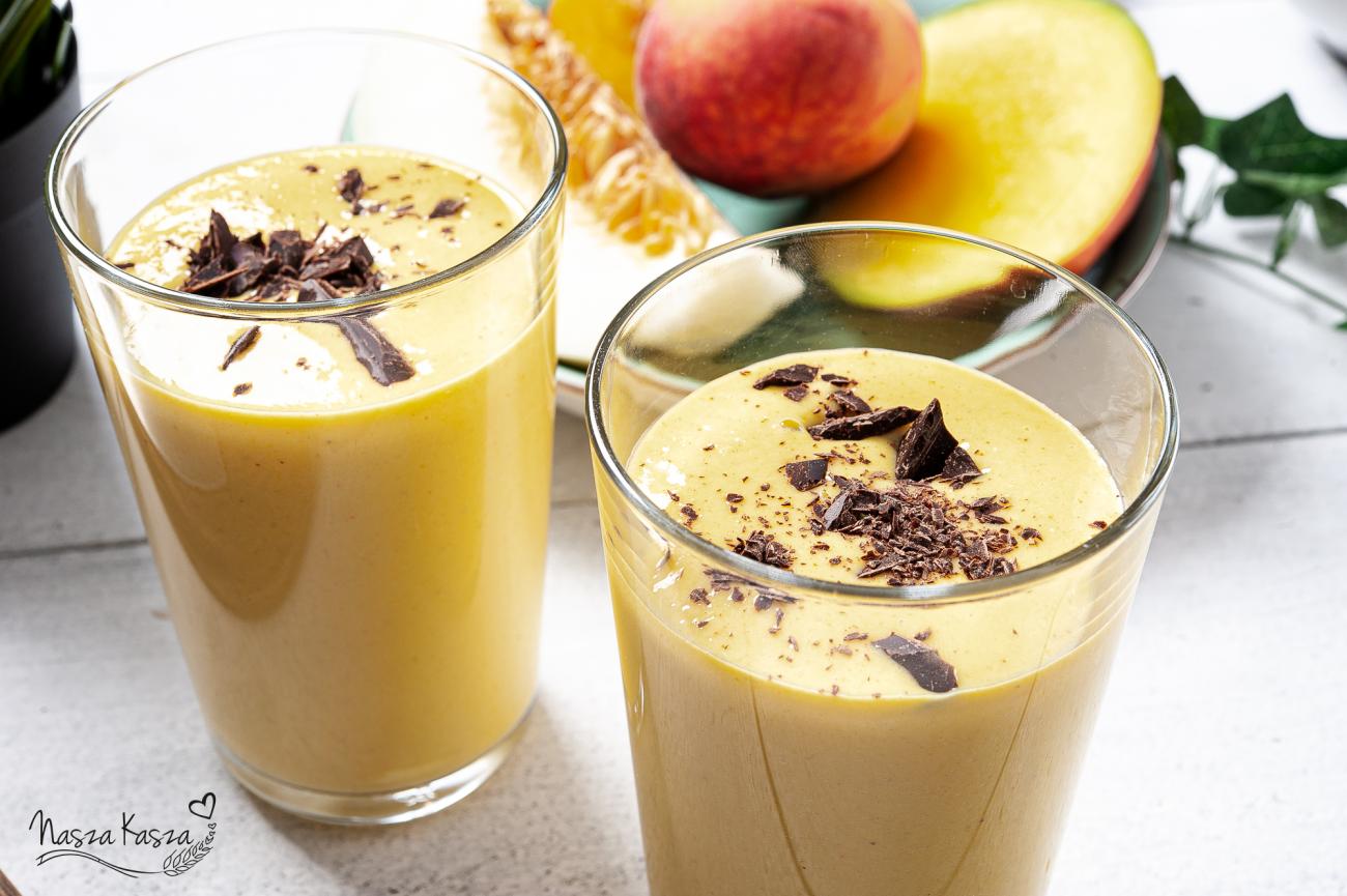 Smoothie jaglane z mango i czekoladą