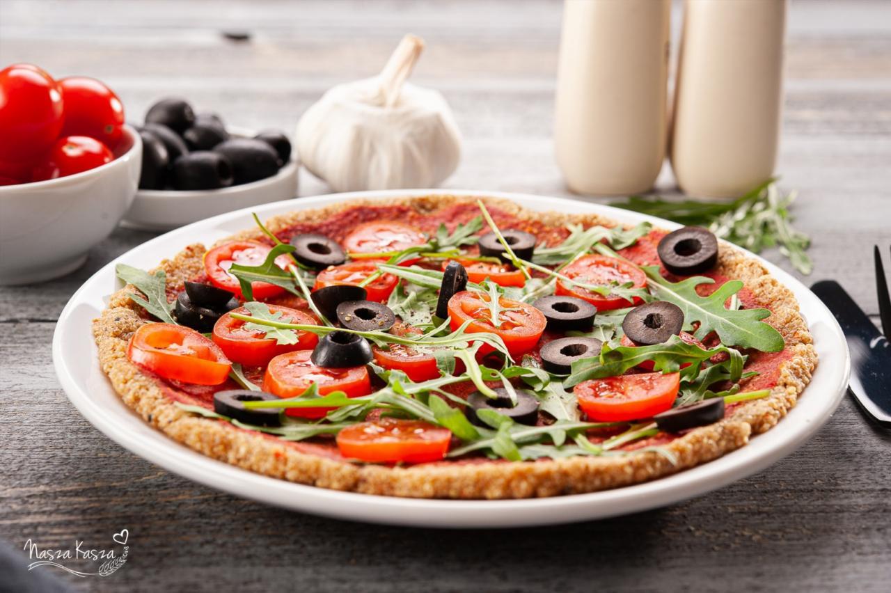Pizza na spodzie z komosy